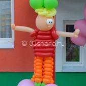 Мальчик из воздушных шаров – украшение детского сада во Владимире