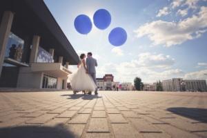 Огромные гелиевые шарики с доставкой на свадьбу