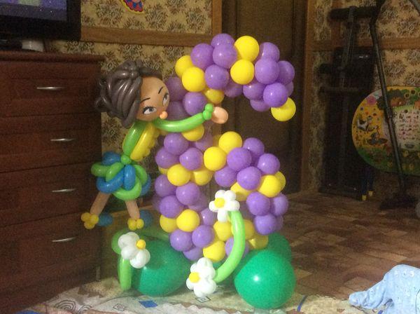 Цифра 6 с девочкой из шариков