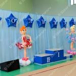 Фигурки гимнасток высотой полтора метра из шаров