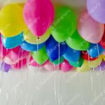 Яркие шары под потолок