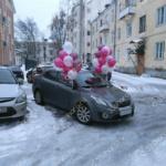 Украшение авто связками из шаров