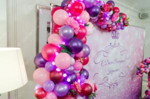 Украшение фотозоны - арка с шарами и цветами и единичка