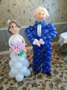 Жених и невеста из шаров