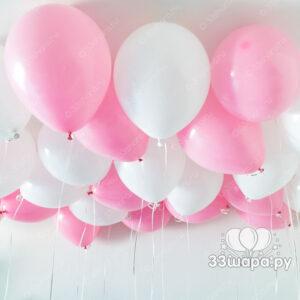 Бело-розовые-шары-под-потолок