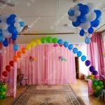 Украшение выпускного во владимирском детском саду – гелиевая арка с цветами и облака