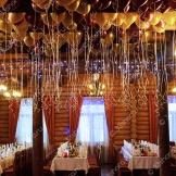 Много гелиевых шаров на выпускной — ресторан «Терем»