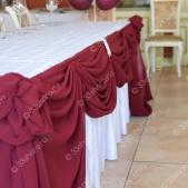 Драпировка стола молодоженов тканью — ресторан «Барин»