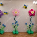 Большие цветы и пчелки – оформление выпускного в детсаду во Владимире